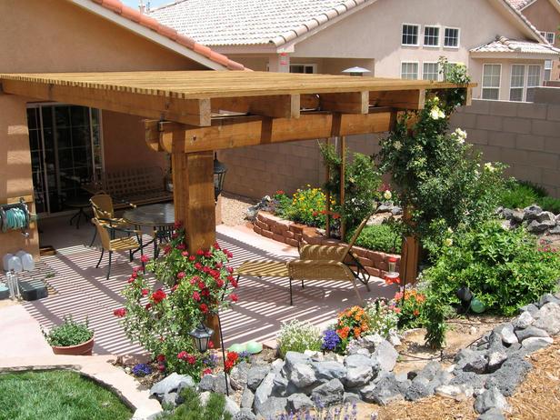 Как сделать навес из дерева во дворе частного дома