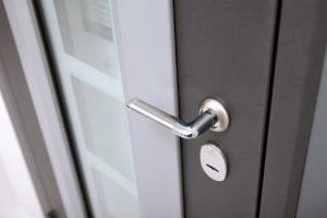 Как выбрать входную дверь с шумоизоляцией и где ее заказать